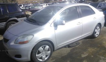 Vendo Toyota Yaris 2010 (a reparar), Reservelo YA!!! Estara en Aduana en aproximadamente 28 dias, Automático, Bolsas buenas, Full Extras (vidrios y espejos eléctricos, cierre central), $5400, Inf. al correo ó 79502922